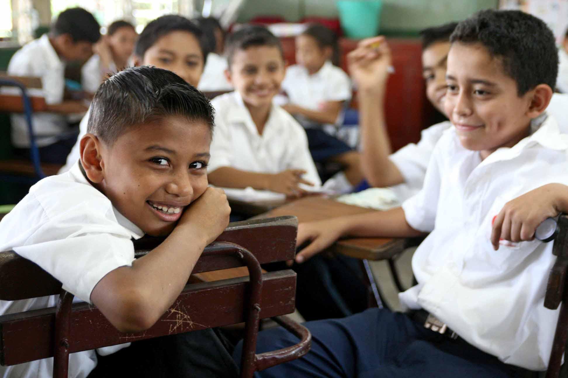 Niños en la escuela en Ciudad Sandino