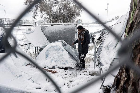 Entreculturas junto con otras 430 entidades denuncian la pasividad de la UE ante la ola de frío polar que está afectando a personas refugiadas en Grecia y los Balcanes