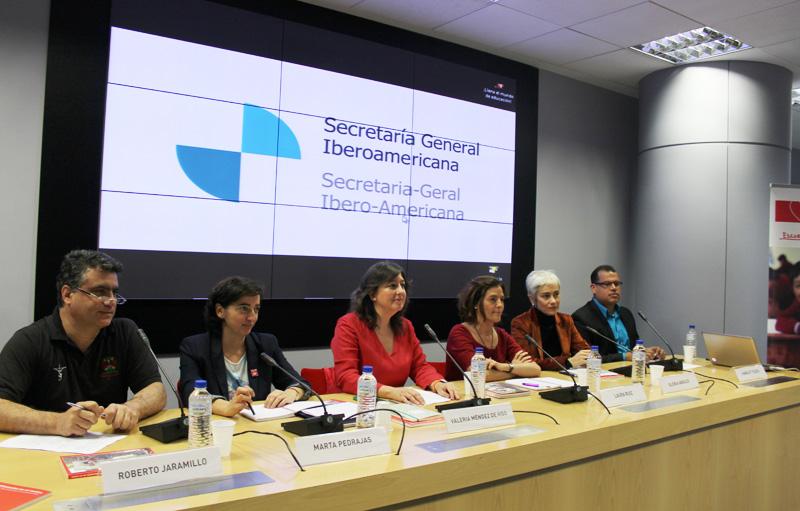 """Gira de presentación del informe """"La educación en el centro. Clave de desarrollo en la agenda post 2015"""""""
