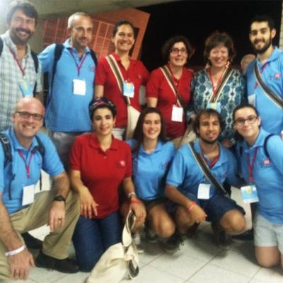 Representantes de Entreculturas y Alboan junto a los jóvenes españoles
