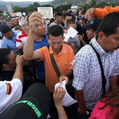 Paso fronterizo entre Venezuela y Colombia